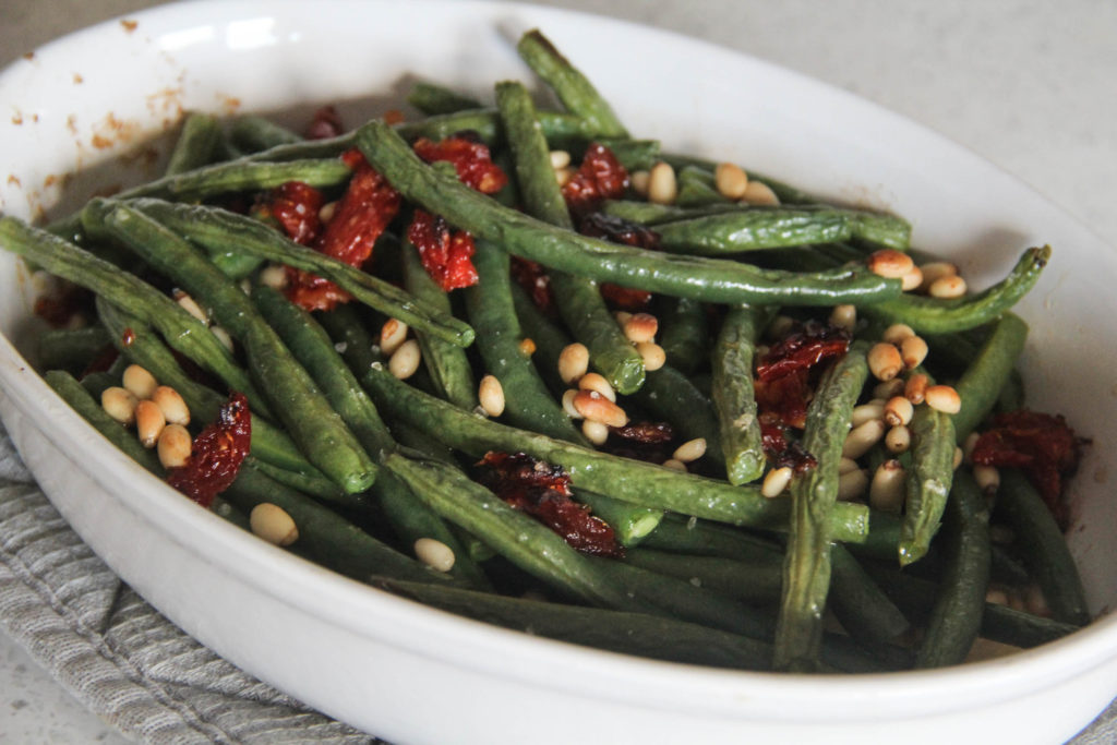 Roasted Green Beans with Sundried Tomatoes