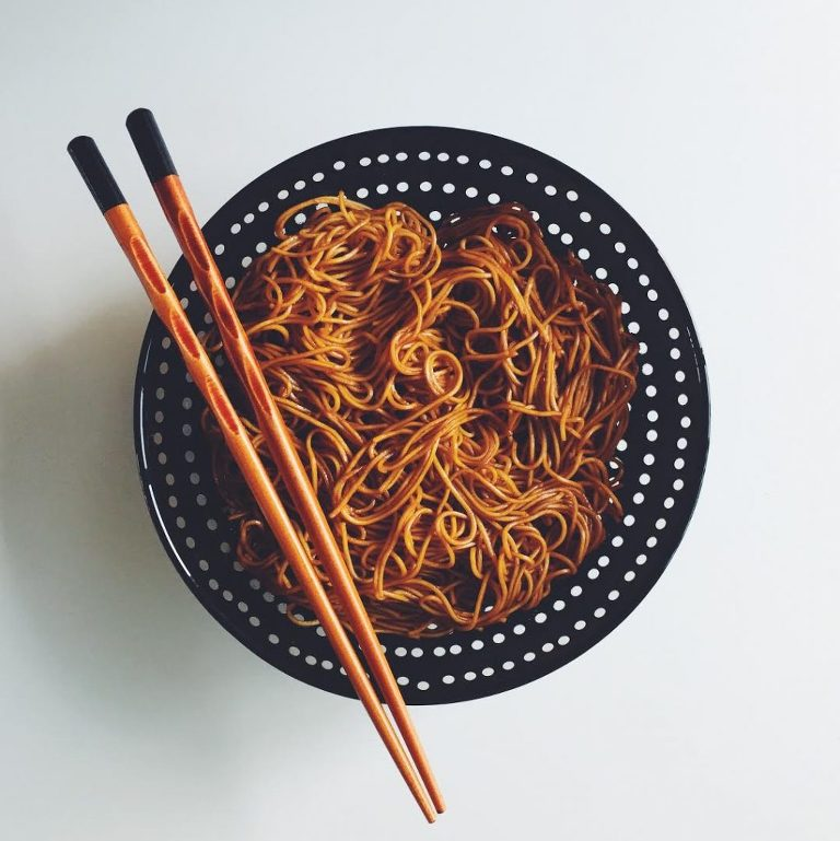 Honey_Garlic_Sriracha_Noodles